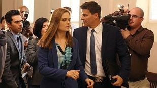 Bones 09x24 : The Recluse in the Recliner- Seriesaddict